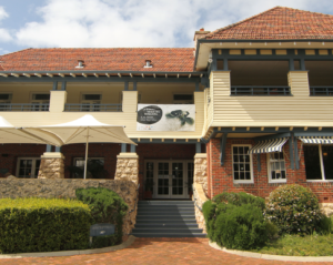 avm_caves_house_hotel